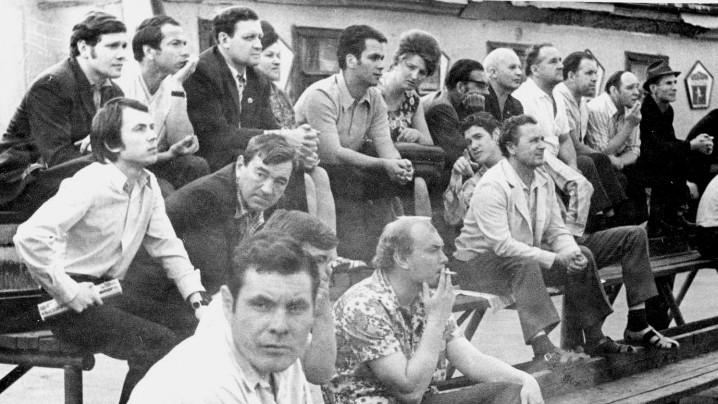 В верхнем ряду третий слева Блинов К.И. (тогда начальник РСУ-7), пятый слева Рюмин МюПю (тогда гл. инж. РСУ-7), конец 1970-х гг.