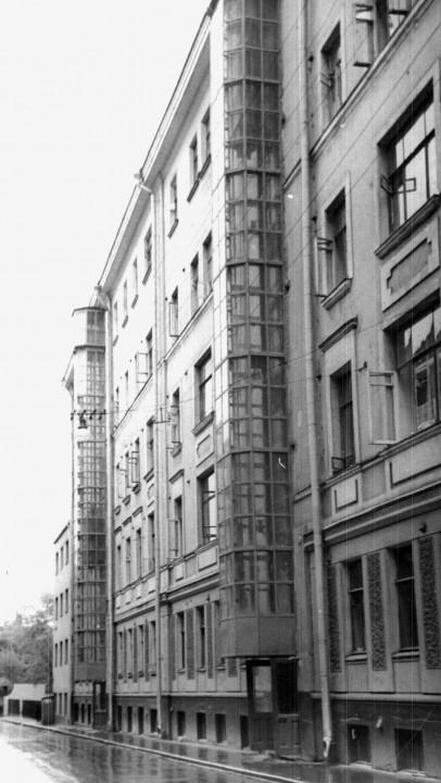 Каркасно-приставной лифт